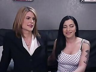 Pussyfucking Transsexual Stunner Drills Cock-squeezing Honey