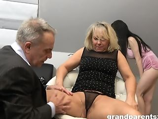 First-timer Threesome At Home With An Older Duo And A Junior Chick