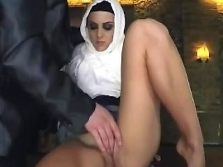 Nubile Arab Cherry Greedy Woman Gets Food
