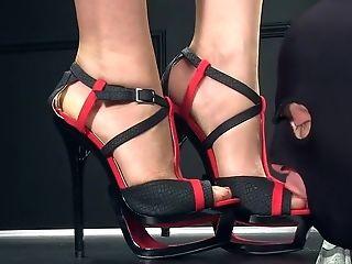 Femdomlady High Stilettos And Money-shot
