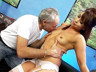 Older Boy Got Lucky And Banged Adorable Dark Haired Hannah Shaw