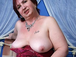 Pervy Matures Mama Gets Her Mouth Packed With Spunk
