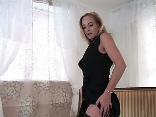 Elegant Mummy Elegant Eve Is Finger Fucking Humid And Sugary-sweet Punani