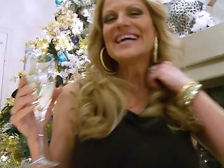 Festive Fuck-a-thon Session With Hot Blonde Chick Kelly Madison