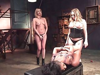 Maitresse Madeline Marlowe Plays Lesbos Bang-out Games With Her Doll Paramours