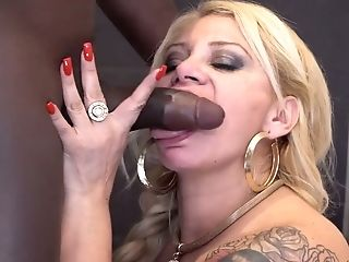 Amazingly Curvy Colombian Hooker Alexa Blun Is Pounded By Black Stud